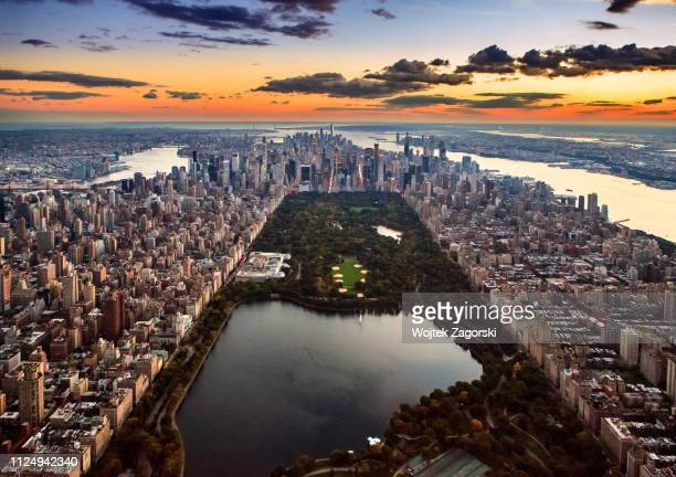 aerial view - central park - new york city stockfoto's en -beelden