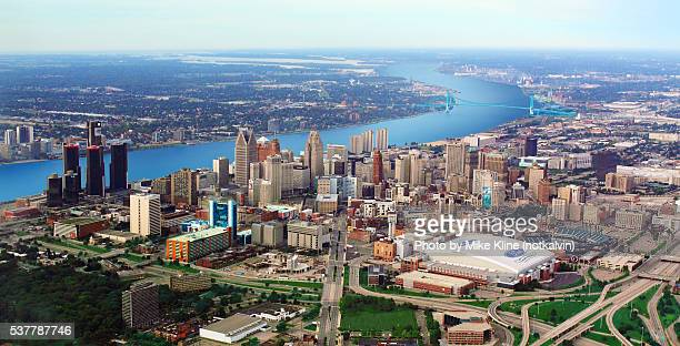 aerial view - detroit michigan - detroit michigan stock-fotos und bilder