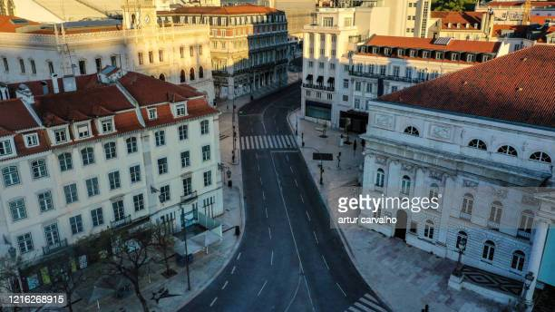 aerial view from the desert streets of lisbon during the pandemic - corona landmarks stock pictures, royalty-free photos & images