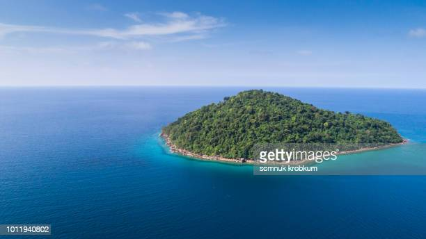 aerial view island in summer - 島 ストックフォトと画像