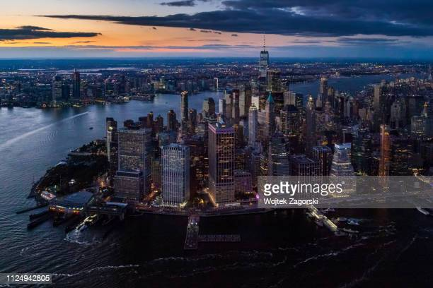 aerial view - lower manhattan - wall street stock-fotos und bilder