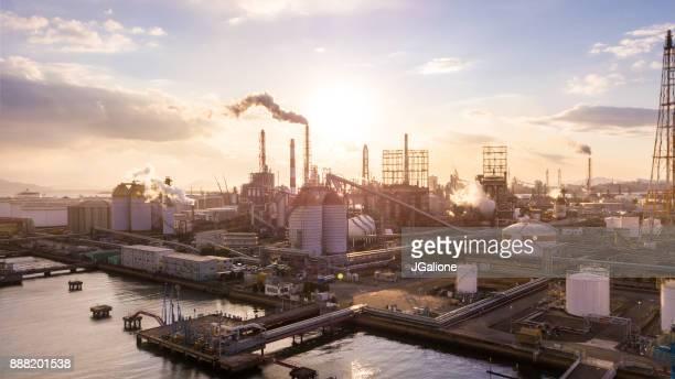 日本の石油化学工場の空撮 - 工場 ストックフォトと画像