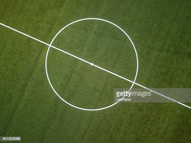 aerial view of a soccer field - campo de futebol imagens e fotografias de stock