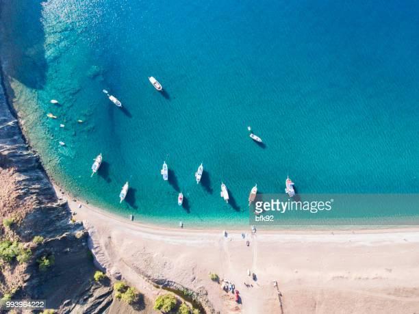 オリンポス ビーチにヨットの航空写真 - アンタルヤ県 ストックフォトと画像