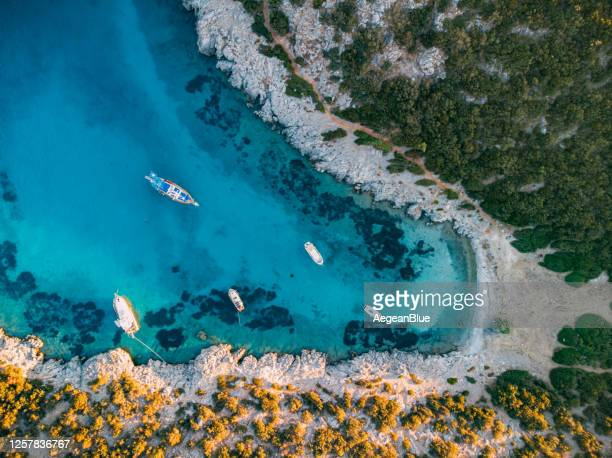 vista aérea del acuario bay bodrum - turquia fotografías e imágenes de stock