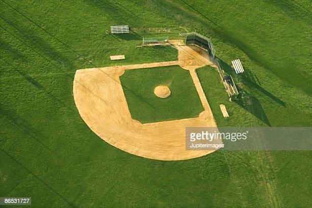 aerial view of baseball diamond - terrain de baseball photos et images de collection