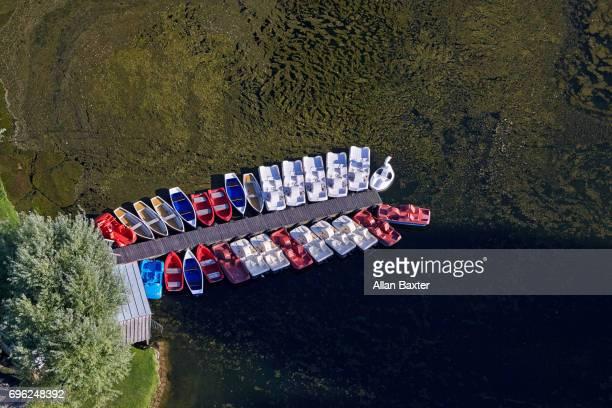 aerial view of boats in munich's olympic park - olympischer park veranstaltungsort stock-fotos und bilder