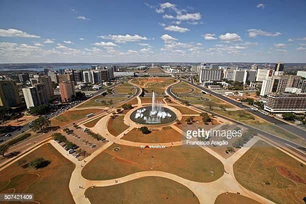 aerial view of brasilia - brasilia photos et images de collection