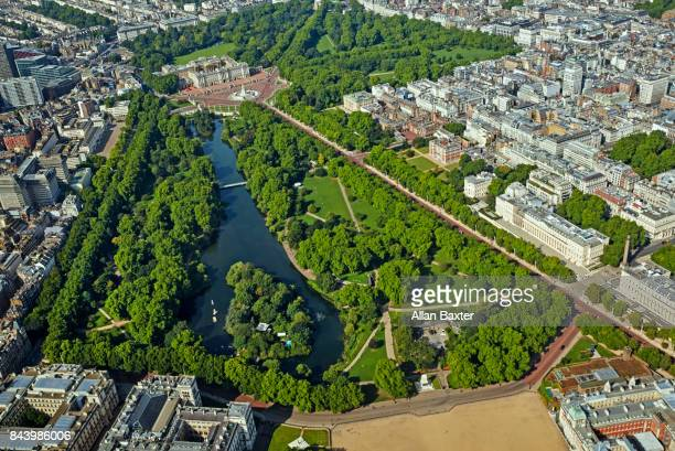 aerial view of buckingham palace in london - buckingham palace stock pictures, royalty-free photos & images