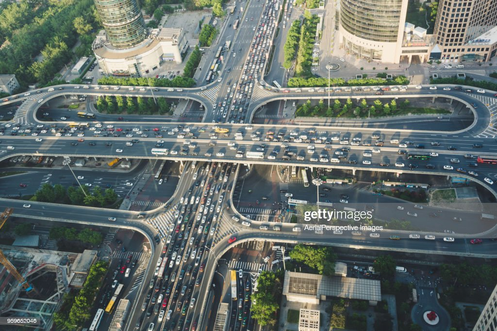 Aerial View of Busy Overpass : Stock-Foto