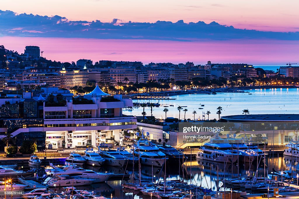 Aerial view of Cannes at sunrise : Photo