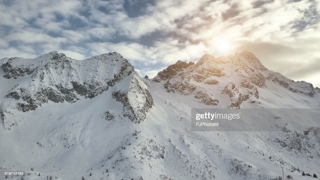 Aerial view of chair lift Passo Paradiso from Passo del Tonale : Foto stock
