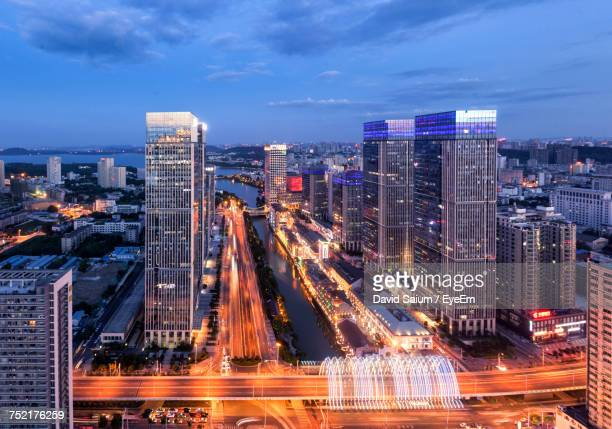 aerial view of city at night - wuhan imagens e fotografias de stock