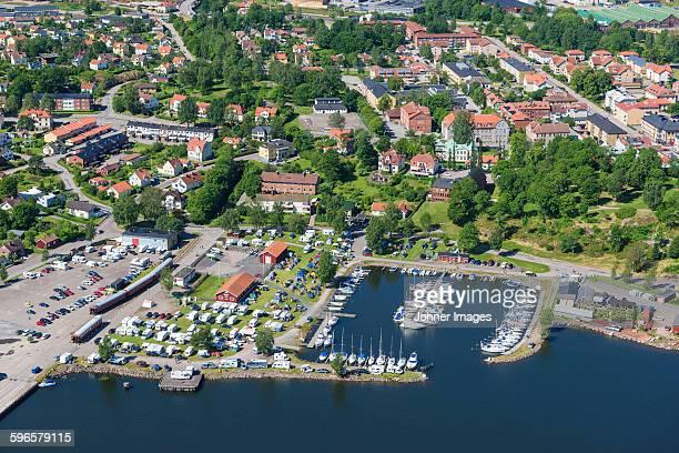 aerial view of city at sea - dalsland - fotografias e filmes do acervo
