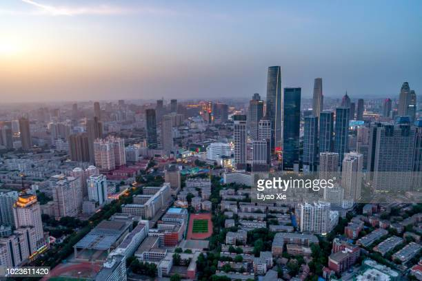 aerial view of city - liyao xie photos et images de collection