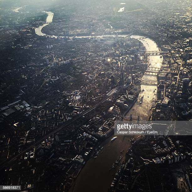 aerial view of cityscape with thames river - river thames stock pictures, royalty-free photos & images