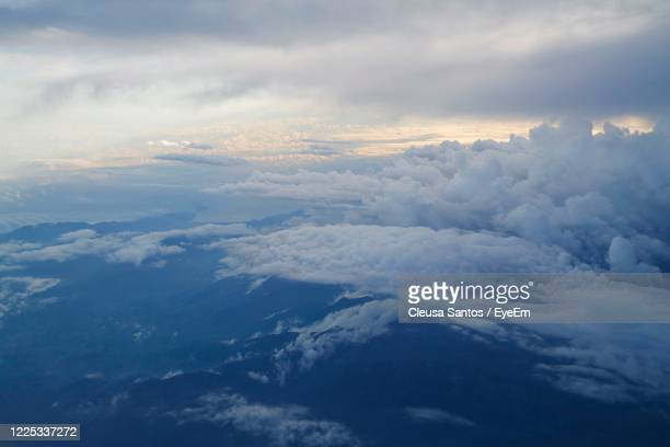 aerial view of cloudscape against sky - vista aérea stock pictures, royalty-free photos & images