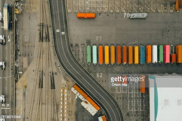 satellitvy av kommersiell container hamn - drönarperspektiv bildbanksfoton och bilder
