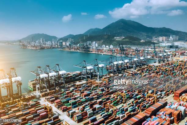 luftaufnahme des containerschiffterminals in shenzhen, china - hafen stock-fotos und bilder