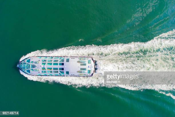 aerial view of cruise ship on sea. - kreuzfahrtschiff stock-fotos und bilder