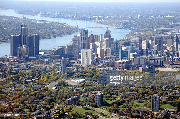 luftbild von detroit, michigan, usa - detroit michigan stock-fotos und bilder