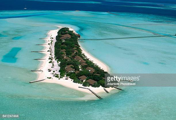 aerial view of dhigufinolhu - male maldives stock pictures, royalty-free photos & images