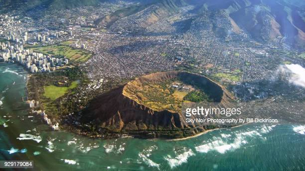 aerial view of diamond head hawaii - volcanic crater stock pictures, royalty-free photos & images