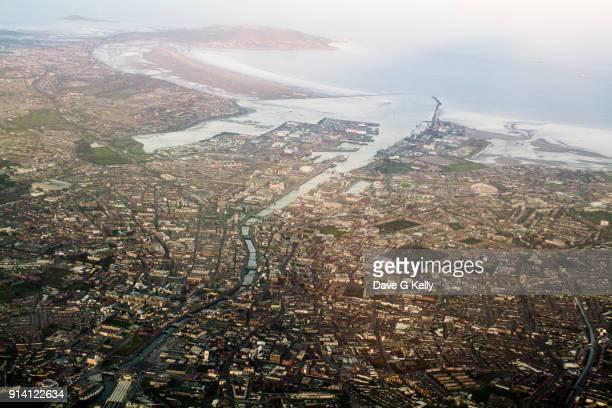 aerial view of dublin, ireland - dublin república da irlanda - fotografias e filmes do acervo