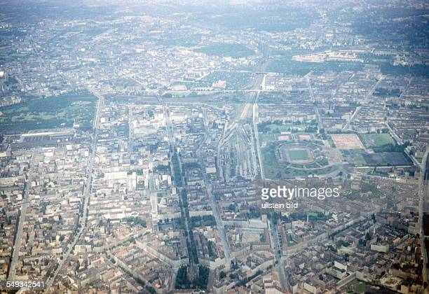 Aerial view of East and West Berlin: on the left Humboldthain Park in West Berlin, centre right Friedrich-Ludwig-Jahn sports field in East Berlin,...