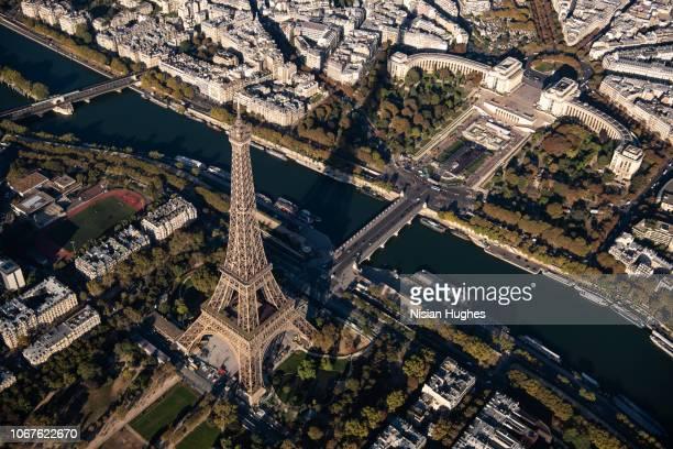 aerial view of eiffel tower in paris france, daytime - inquadratura da un aereo foto e immagini stock