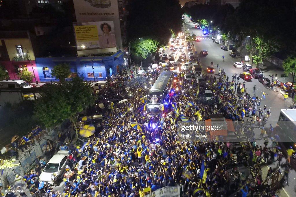 Fans Bid Farewell to Boca Juniors : News Photo