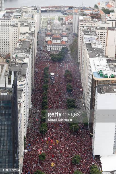 Aerial view of fans of Flamengo as they gather during the celebrations the day after Flamengo won the Copa CONMEBOL Libertadores at Igreja da...