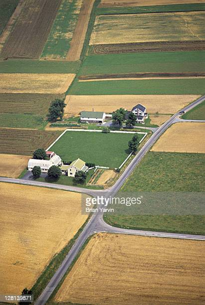 Aerial view of farm and field, Amish country, Lancaster County, Pennsylvania, USA (SI)