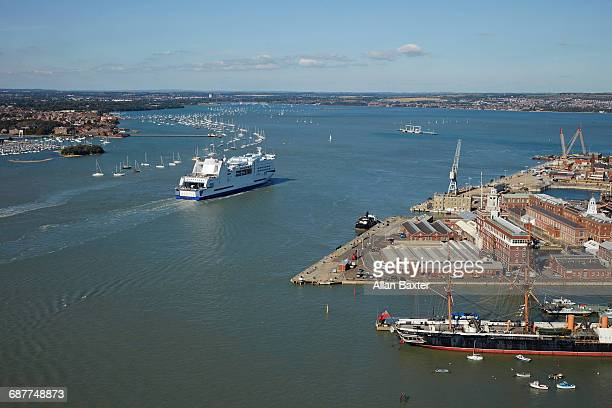 aerial view of ferry in portsmouth harbour - ferry stock pictures, royalty-free photos & images