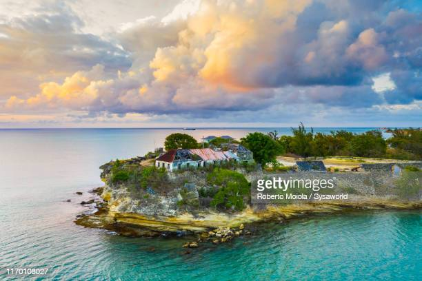 aerial view of fort james, antigua, caribbean - isla de antigua fotografías e imágenes de stock