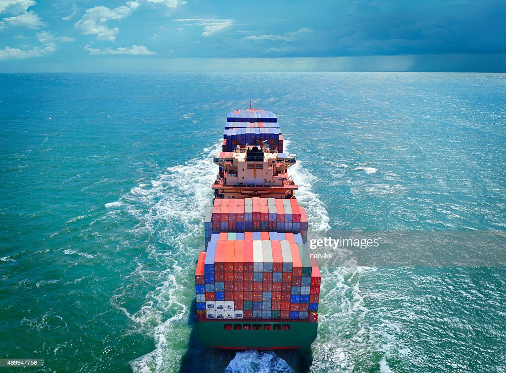 Aerial view of freight ship with cargo containers : Stockfoto