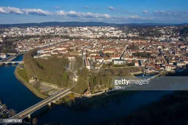 aerial view of french medieval city, old buildings and cityscape in besancon, france - ブザンソン ストックフォトと画像