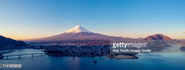 aerial view of fuji mountain and kawaguchiko lake in morning, japan - mt. fuji stock pictures, royalty-free photos & images
