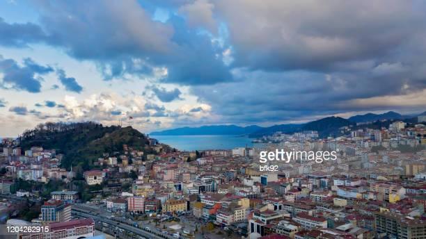 トルコのギレスン市の空中写真。 - トラブゾン ストックフォトと画像