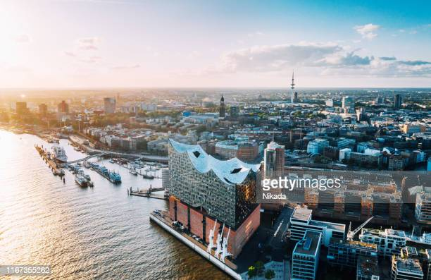 aerial view of hamburg hafen city and elbphilharmonie - amburgo foto e immagini stock