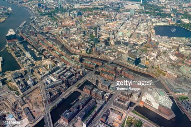 aerial view of hamburg-speicherstadt -hafencity - straßenverkehr stock pictures, royalty-free photos & images