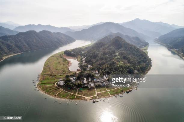 aerial view of hangzhou thousand island lake at noon - zhejiang province stock pictures, royalty-free photos & images
