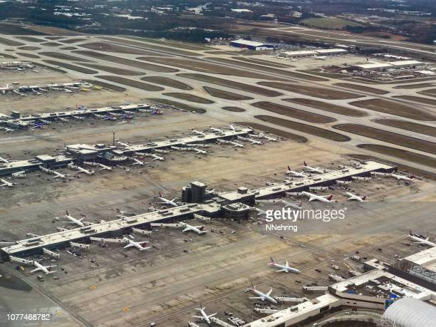 aerial view of hartsfield–jackson atlanta international airport - hartsfield jackson atlanta international airport stock pictures, royalty-free photos & images