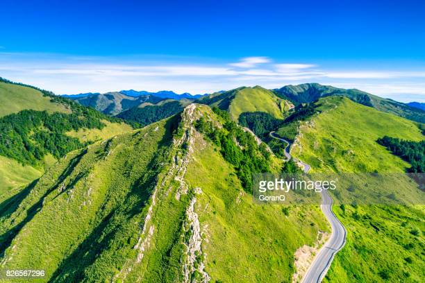 aerial view of hehuanshan and qilai mountain on the trail entrance of shihmen mountain, taroko national park, taiwan - taiwan stock photos and pictures