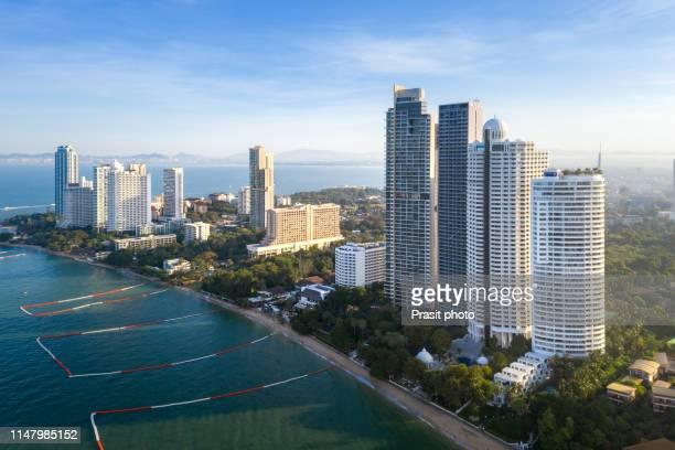 aerial view of highrise buildings on the beach. seascape panoramic view. pattaya, thailand. - provinz chonburi stock-fotos und bilder