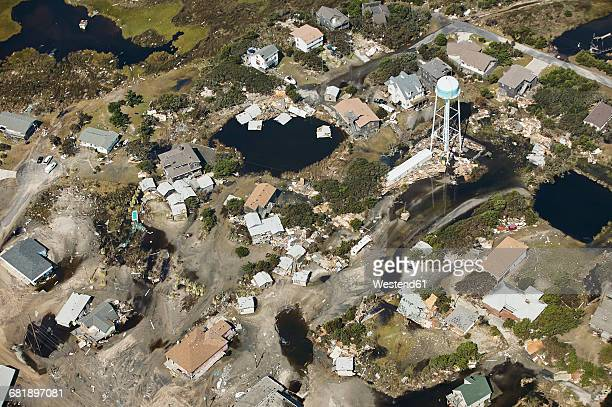 usa, aerial view of hurricane isabel destruction along the outer banks of north carolina near kitty hawk - north carolina photos et images de collection