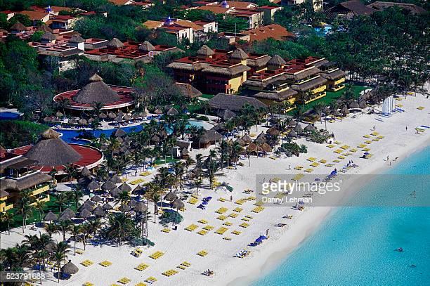 aerial view of iberostar resort at playa del carmen - playa del carmen - fotografias e filmes do acervo