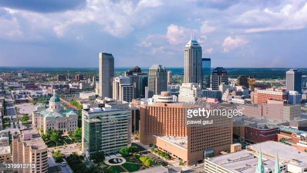 aerial view of indianapolis downtown with statehouse in indiana - indianapolis stock pictures, royalty-free photos & images