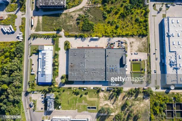 産業ユニットの空中写真 - 工場地帯 ストックフォトと画像