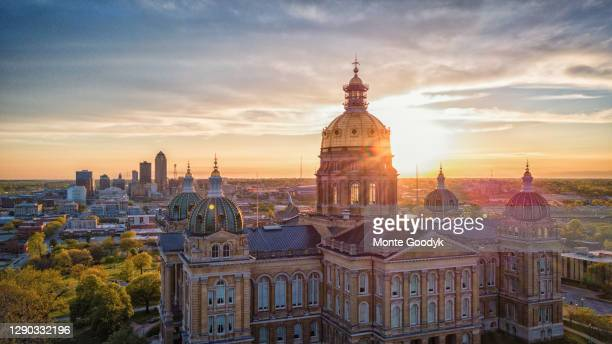 aerial view of iowa capitol building - des moines stock pictures, royalty-free photos & images